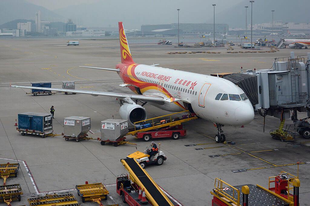 Hong Kong Airlines Airbus A320 214 B LPI at Hong Kong International Airport